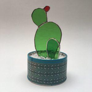 Cactus vitrail raquettes fleur rouge