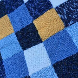 Couverture bébé carrés bleu-jaune