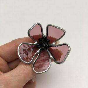 Broche fleur stylisée – vitrail Tiffany – vieux-rose