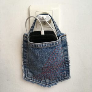 Pochette porte-chargeur smartphone denim recycle sashiko